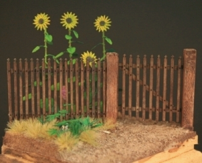 Real Wooden Fence (20cm)